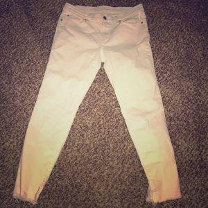 Ann Taylor Loft white jeans size 6